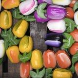 Die Andenken bei Bloemenmarkt - sich hin- und herbewegender Blumenmarkt auf Singel-Kanal amsterdam netherlands Stockfoto