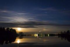Die Anlage in Maksatikha-Nacht Stockfotografie