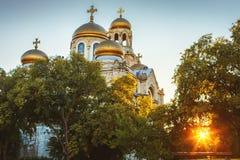 Die Annahme-Kathedrale der modernen byzantinischen Art mit goldenem d Lizenzfreie Stockfotografie