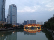 Die Anshun-Brücke in Chengdu Stockfotos