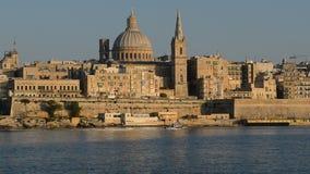 Die Ansicht über Valletta im Sonnenuntergang stock footage