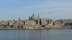 Die Ansicht über Valletta im Sonnenuntergang stock video