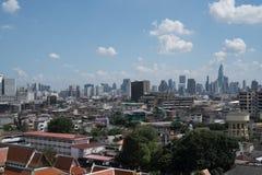 Die Ansicht auf goldenen Berg bei Wat Saket in Bangkok Stockfotos