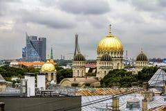 Die Ansicht der orthodoxen Geburt Christi von Christus-Kathedrale in Riga Franc Stockfotografie