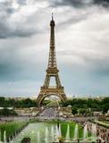Die Ansicht des Eiffelturms, Paris, Frankreich Lizenzfreies Stockfoto
