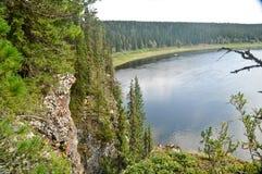 Die Ansicht des Flusses Shchugor auf die Oberseite Stockfoto