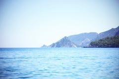 Die Ansicht des Mittelmeeres und der Berge, die Türkei Lizenzfreies Stockbild