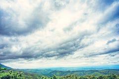 Die Ansicht von auf einem Berg Stockfotografie