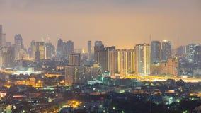 Die Ansicht von Bangkok-Skylinen bei Sonnenaufgang Stockbild