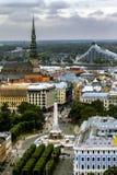 Die Ansicht von den Höhen der historischen Mitte von Riga in Latv Stockfoto