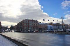 die Ansicht von der Blagoveshchensky-Brücke zum Promenaden-DES Anglais Russland, St Petersburg, am 24. Februar 2017 Stockbilder