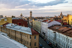Die Ansicht von der Höhe auf dem Gebäude des Spasskaya-Feuers s Stockbilder
