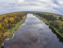 Die Ansicht von der Höhe des Flusses Mologa in der Tver-Region Stockbilder