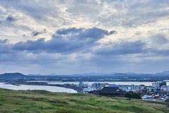 Die Ansicht von der Seongsan-Sonnenaufgang-Spitze in Jeju-Insel, Südkorea stockfotografie
