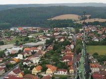 Die Ansicht von der Spitze auf dem Dorf in Süd-Böhmen Lizenzfreies Stockfoto