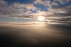 Die Ansicht von einem Ballon im Himmel lizenzfreies stockfoto