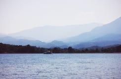Die Ansicht von Mittelmeer und von Bergen, die Türkei, Phaselis Lizenzfreie Stockfotografie