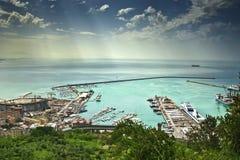 Die Ansicht zu Salerno-Hafen in Italien Stockfotografie