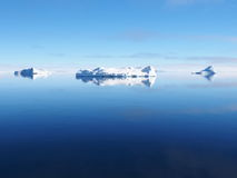 Die Antarktis-Eisberglandschaft Lizenzfreie Stockfotos
