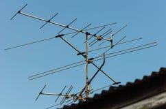 Die Antenne auf dem Dach Stockfotografie