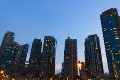 Die Architektur der Nachtstadt lizenzfreies stockbild