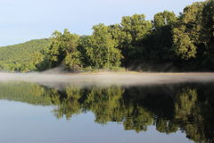 Die Arkansas River Bank am Murray Lock und an der Verdammung - 3 Stockfotos