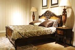 Die Art des französischen hölzernen Betts Stockbild