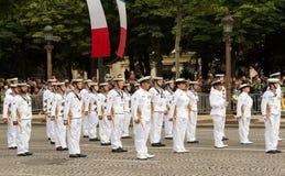 Die australische Königliche Marine nehmen an Französischem Nationalfeiertag Militärp teil Stockbild