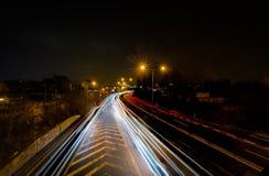 Die Autolichtspuren in der Stadt, Ansicht von der Brücke, Brno, Tschechische Republik stockfoto