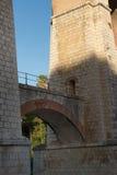 Die Bögen der Brücke lizenzfreie stockbilder