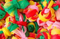 Die Bündelsatingewebe in den verschiedenen Farben stockfoto