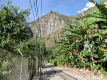 Die Bahngleise von Peru Rail stockbild