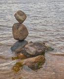 Die Balance von Steinen Stockfoto