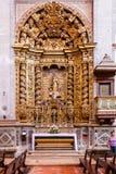 Die barocke vergoldete Kapelle, die unserer Dame innerhalb des Santarem eingeweiht wird, sehen Kathedrale Stockfoto