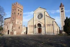 Die Basilika von San Zeno in Verona lizenzfreies stockbild