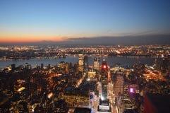 Die belichtete Stadt New York Stockbild