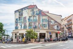 Die berühmte gemalte Wand in Cannes mit berühmten Filmstars und Ca lizenzfreies stockbild