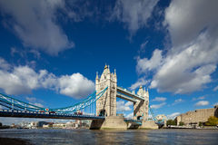 Die berühmte Kontrollturm-Brücke in London Stockfoto