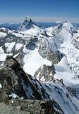 Die berühmte Matterhorn-Spitze in der Schweiz gesehen von einer ungewöhnlichen Perspektive lizenzfreie stockfotografie