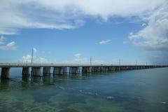 Die berühmte sieben Meilen-Brücke in den Florida-Schlüsseln Lizenzfreies Stockbild