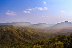Die Berge im Nebel Stockfoto