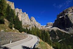 Die Bergspitzen der Dolomit Stockbilder