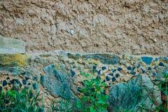 Die Beschaffenheit der alten Lehmwand Stockfotografie