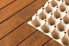 Die Beschaffenheit der Pappe des Eierkartons Abschluss oben Makro stockbild