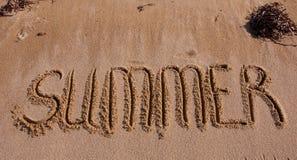 Die Beschreibung auf den Sanden des Meeres - Sommer Lizenzfreies Stockbild