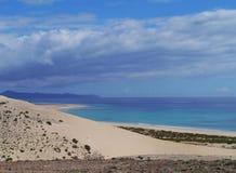 Die beträchtlichen sandigen Strände von Fuerteventura Lizenzfreie Stockfotos