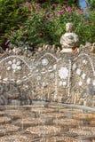 Die Betrüger ist der Name eines Brunnenbodens als Teil eines Oberteils lizenzfreie stockbilder
