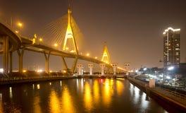 Die Bhumibol-Brücke Stockfotos
