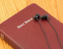 Die Bibel für Person mit Sehstörungen oder Blinde Lizenzfreies Stockfoto