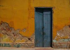 Die blaue Tür Lizenzfreies Stockfoto